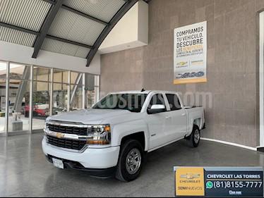 Chevrolet Silverado 2500 Doble Cabina 4X4 usado (2018) color Blanco precio $499,000