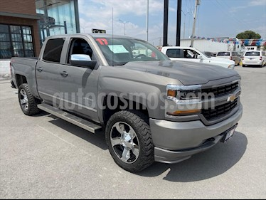 Chevrolet Silverado 2500 4x4 Doble Cabina LS On Star usado (2017) color Plata precio $450,000