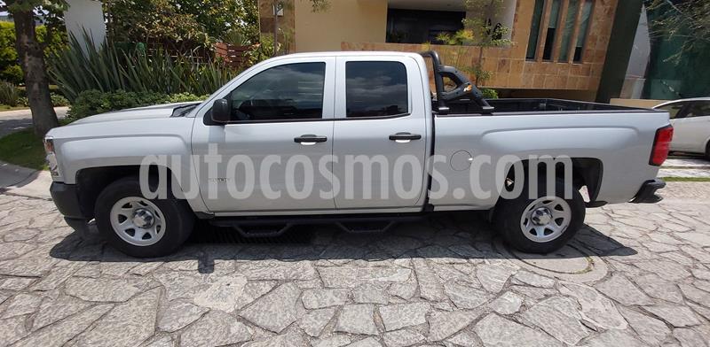 Chevrolet Silverado 2500 4x2 Cab Ext Paq A usado (2016) color Plata precio $370,000