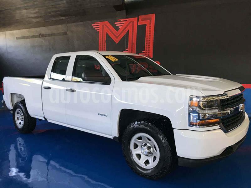 Chevrolet Silverado 2500 4x2 Cab Ext LS V8 usado (2016) color Blanco precio $385,000