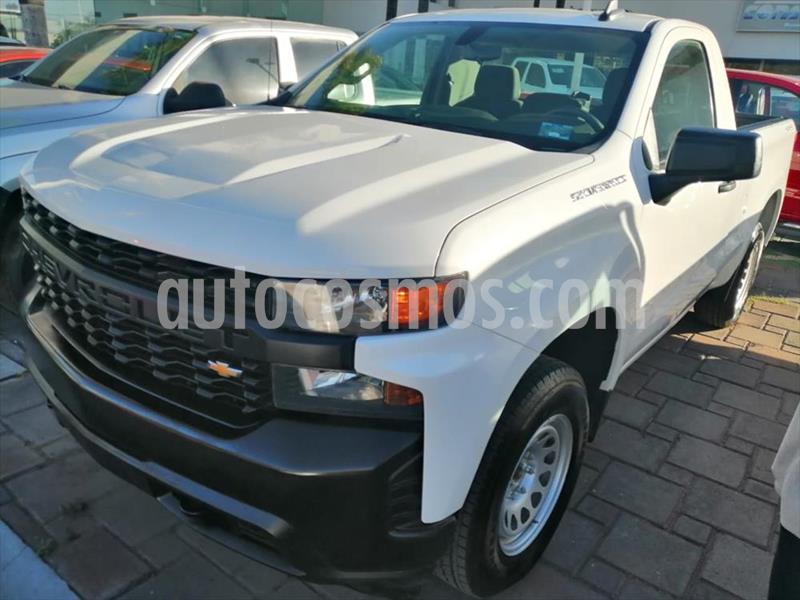 Chevrolet Silverado 2500 Cabina Regular 4X4 usado (2019) color Blanco precio $515,000