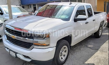 Chevrolet Silverado 2500 4x2 Doble Cabina LS On Star usado (2018) color Blanco precio $495,000