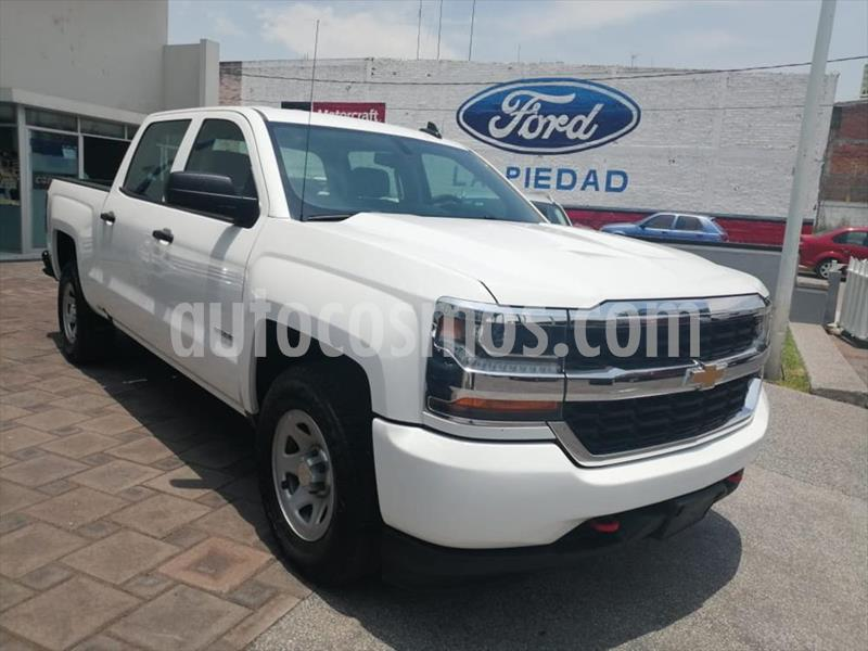 Chevrolet Silverado 2500 4x2 Doble Cabina LS On Star usado (2018) color Blanco precio $434,500