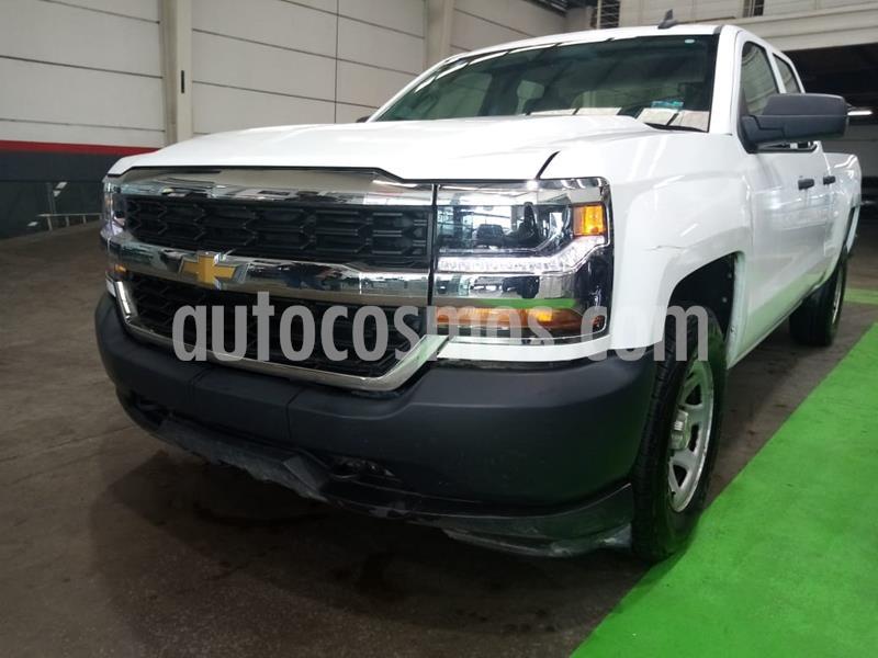 Chevrolet Silverado 2500 4x2 Cab Ext LS V6 usado (2017) color Blanco precio $359,000