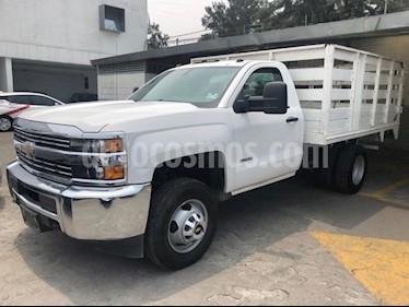 Foto venta Auto usado Chevrolet Silverado 3500 Chasis cabina (2017) color Blanco precio $439,500