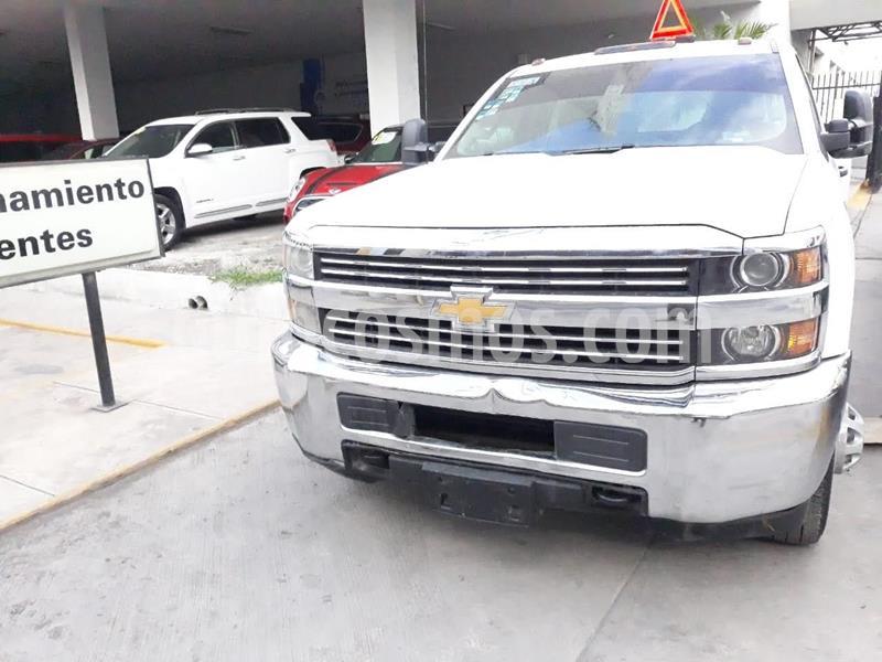 Chevrolet Silverado 3500 Chasis Cabina WT usado (2018) color Blanco precio $449,900