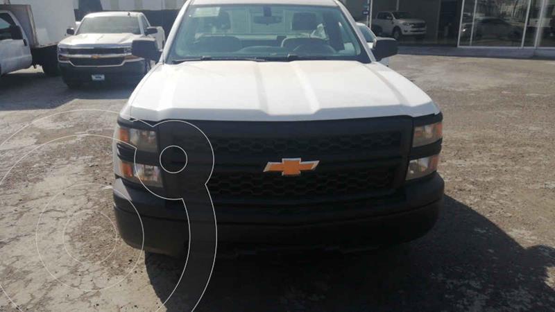 Foto Chevrolet Silverado 3500 Version usado (2015) color Blanco precio $250,000