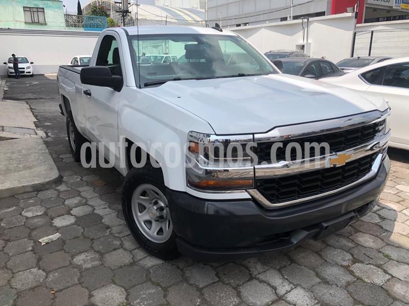 Chevrolet Silverado 3500 Chasis cabina usado (2017) color Blanco precio $293,000