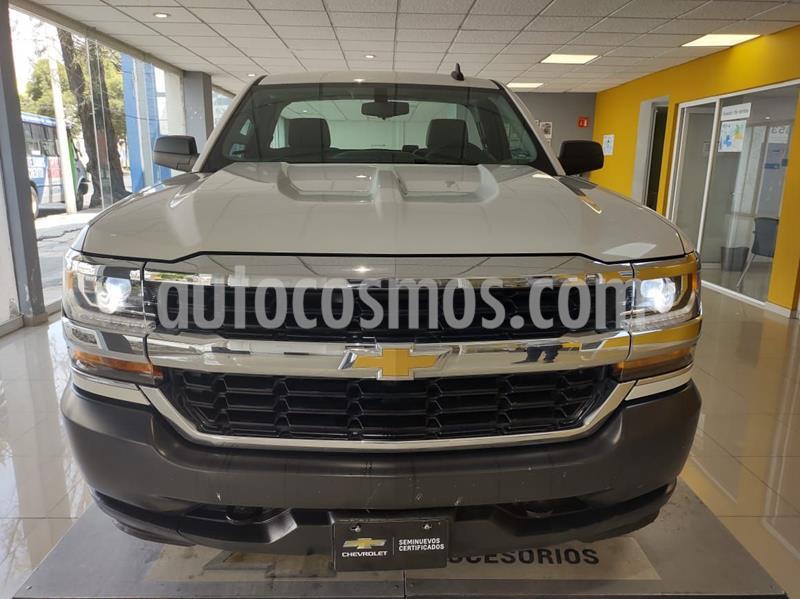 Chevrolet Silverado 3500 Chasis cabina usado (2017) color Blanco precio $290,000