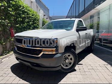 Chevrolet Silverado 3500 Chasis cabina usado (2017) color Blanco precio $310,000