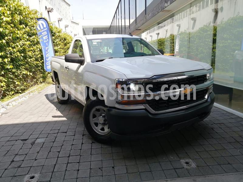 Chevrolet Silverado 3500 Chasis cabina usado (2017) color Blanco precio $295,000