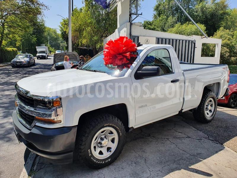 Chevrolet Silverado 3500 Chasis cabina usado (2018) color Blanco precio $410,000