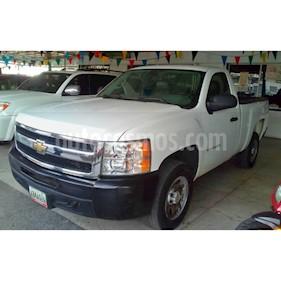 Foto venta carro Usado Chevrolet Silverado LS 5.3L Cabina Simple 4x2 (2011) color Blanco