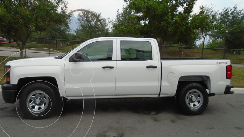 Foto Chevrolet Silverado Doble Cabina 4X4 usado (2015) color Blanco precio $347,900