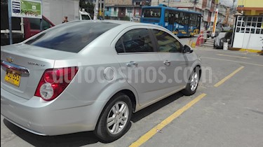 Foto venta Carro usado Chevrolet Sonic 1.6 LT Aut (2015) color Plata precio $32.000.000