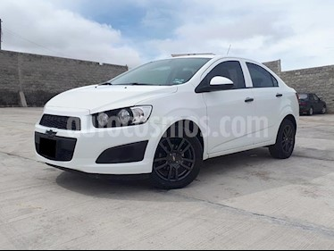 Foto Chevrolet Sonic LS usado (2016) color Blanco precio $157,000