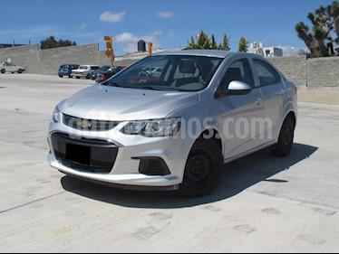 Foto venta Auto usado Chevrolet Sonic LS (2017) color Plata Brillante precio $168,000