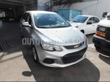 Foto venta Auto usado Chevrolet Sonic LT STD (2017) color Plata precio $220,000
