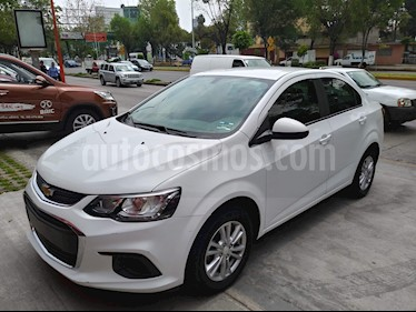 Foto venta Auto usado Chevrolet Sonic LT (2017) color Blanco precio $167,000