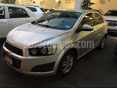 Foto venta Auto Seminuevo Chevrolet Sonic LT (2016) color Plata precio $169,000