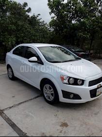 Foto venta Auto usado Chevrolet Sonic LT (2015) color Blanco precio $129,000