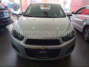 Foto venta Auto usado Chevrolet Sonic LT (2015) color Plata precio $129,000