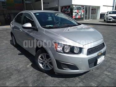 Foto Chevrolet Sonic LT Aut usado (2015) color Plata precio $138,000