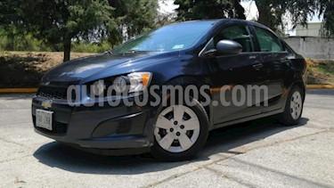 Chevrolet Sonic 4P LS TM5 A/AC. R-15 usado (2014) color Azul precio $119,000