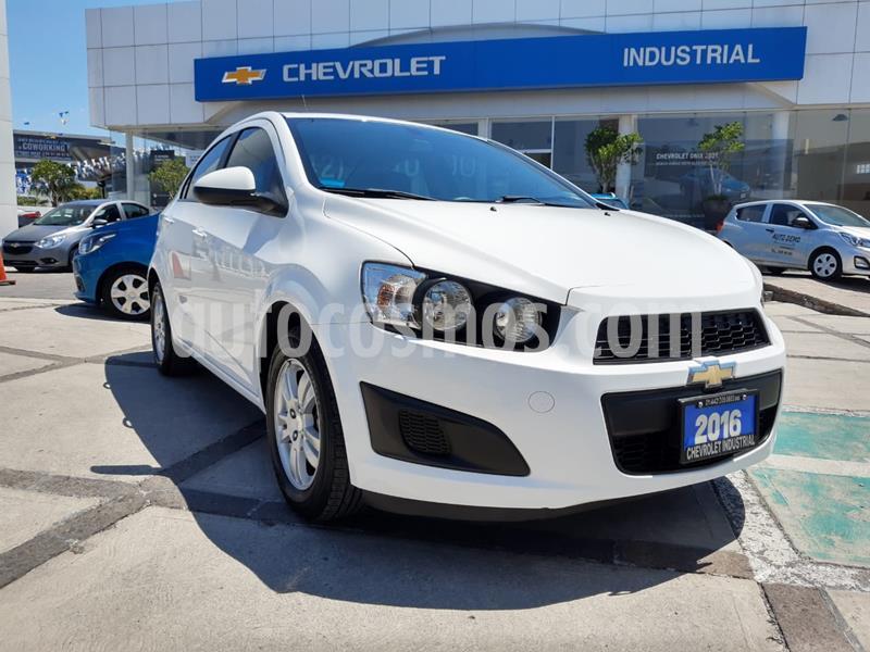Chevrolet Sonic Paq D usado (2016) color Blanco Galaxia precio $155,000