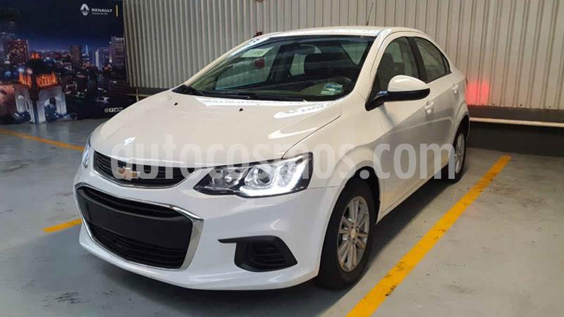 Chevrolet Sonic LT HB usado (2017) color Blanco precio $175,000