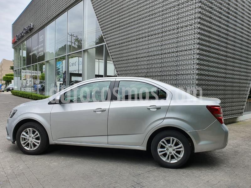 Chevrolet Sonic LT usado (2017) color Plata Brillante precio $159,999