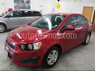 Chevrolet Sonic Paq D usado (2014) color Rojo Granada precio $135,000