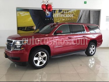 Foto venta Auto usado Chevrolet Suburban 5p LT V8/5.3 Aut Piel 2da/Cubo (2015) color Rojo precio $508,900