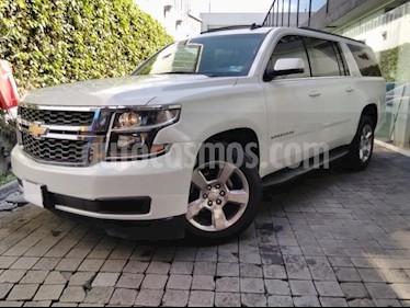 foto Chevrolet Suburban 5p LT V8/5.3 Aut Piel 2da/Cubo usado (2017) color Blanco precio $695,000