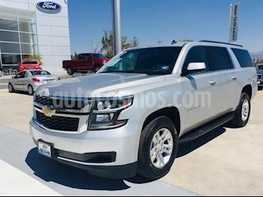 Foto venta Auto usado Chevrolet Suburban LS 5.3L (2017) color Plata precio $660,000