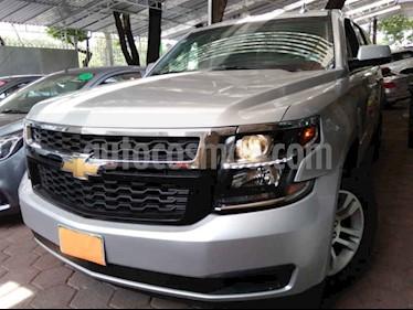 Foto venta Auto usado Chevrolet Suburban LS Tela (2018) color Plata precio $659,900