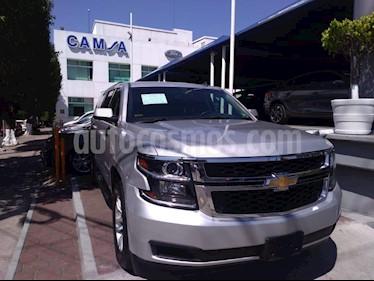 Foto venta Auto usado Chevrolet Suburban LS Tela (2017) color Plata precio $629,900