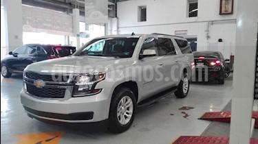 Foto venta Auto usado Chevrolet Suburban LS Tela (2017) color Plata precio $633,000