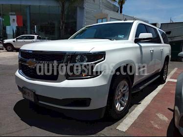 Foto venta Auto usado Chevrolet Suburban LS Tela (2016) color Blanco precio $520,000