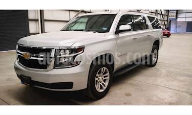 Foto venta Auto usado Chevrolet Suburban LS Tela (2018) color Plata precio $699,900