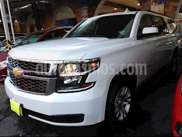 Foto venta Auto usado Chevrolet Suburban LS Tela (2018) color Blanco precio $659,900
