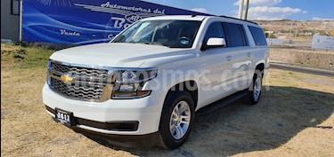 Foto venta Auto usado Chevrolet Suburban LS Tela (2017) color Blanco precio $669,000