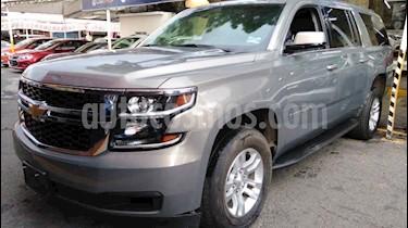 Chevrolet Suburban LT Piel Banca usado (2019) color Gris precio $789,900