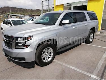 Foto venta Auto usado Chevrolet Suburban LT Piel Banca (2018) color Plata precio $810,900