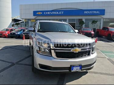 Foto venta Auto usado Chevrolet Suburban LT Piel Banca (2018) color Plata precio $780,000