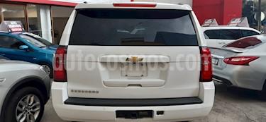 Foto venta Auto usado Chevrolet Suburban LT Piel (2016) color Blanco precio $599,000