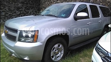 Foto Chevrolet Suburban LT Tela usado (2013) color Plata Brillante precio $289,000
