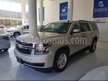 Foto venta Auto usado Chevrolet Suburban LT (2017) color Dorado precio $658,000
