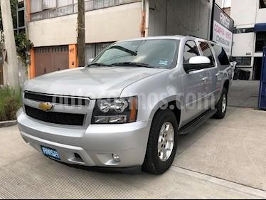 Foto venta Auto usado Chevrolet Suburban LT (2013) color Plata precio $289,000