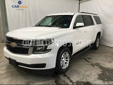 Foto venta Auto usado Chevrolet Suburban LT (2018) color Blanco precio $734,800